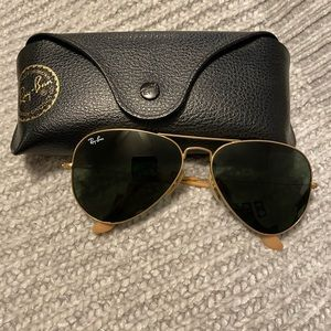 Ray-Ban matte gold aviators. Excellent condition!